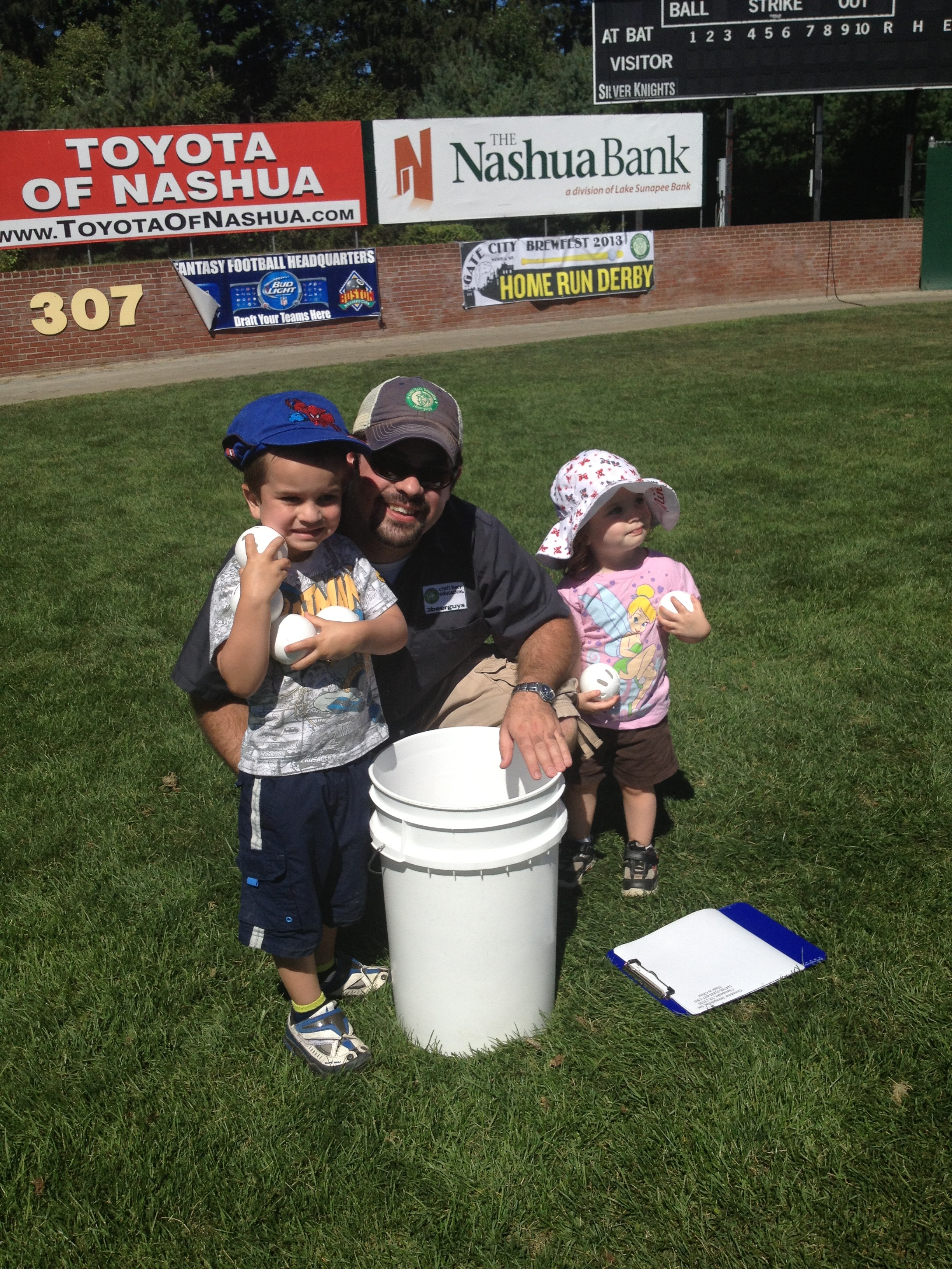 Patrick and Zoe help Daddy Ryan with the Home Run Derby